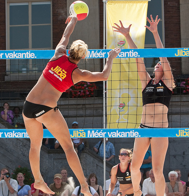Beachvolleybal by Jurjen Veerman